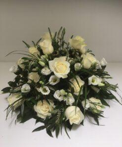 Rouwstuk Witte bloemen